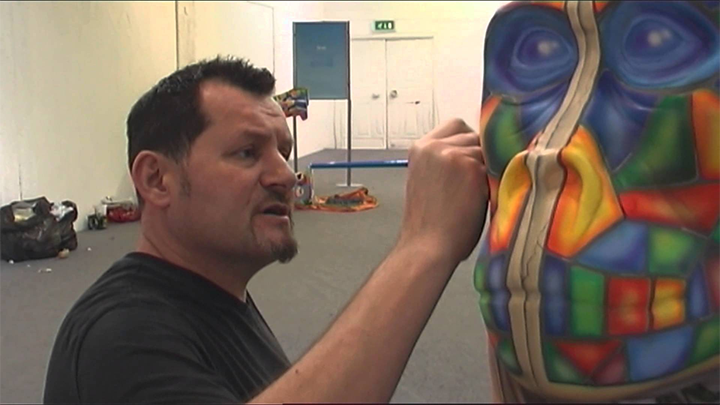 Mik Richardson painting ahead of Go Go Gorillas trail